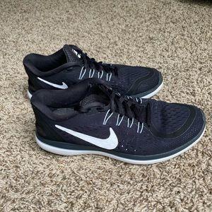 Black Nike Flex Run